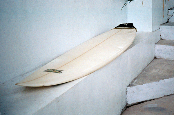 surfboard laying down
